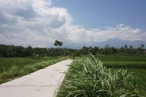 De weg naar Benang Kelambu en Stokel